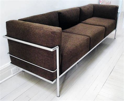 corbusier sofa le corbusier lc3 quot grand confort quot sofa at 1stdibs