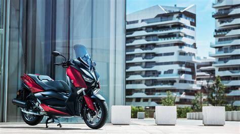xmax  scooters yamaha motor