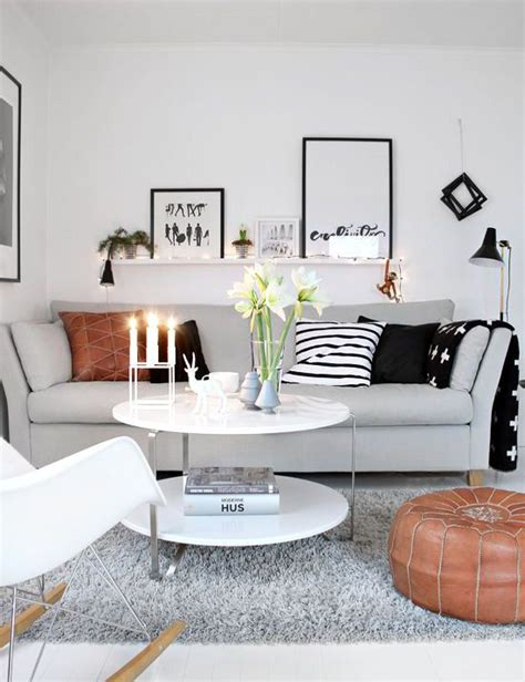 how to decorate a small living room 25 best ideas about small living rooms on pinterest