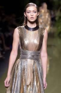 gigi hadid balmain show paris fashion week 9 29 2016