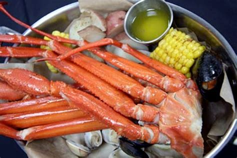 crab legs at farmer s pick buffet picture of isle casino
