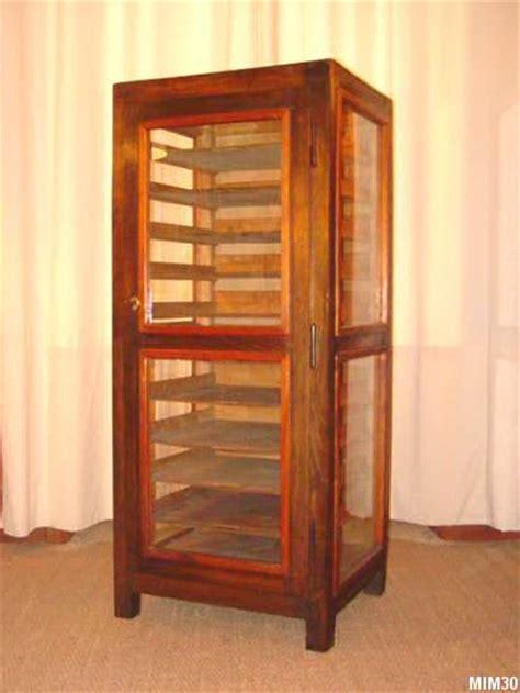 Armoire vitrée, ancien meuble d'imprimerie