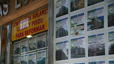 cartel venta piso carteles ofreciendo pisos en venta y en alquiler en una