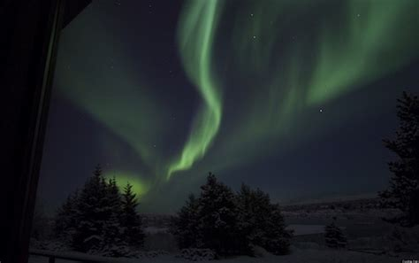 iceland s northern lights demystified huffpost