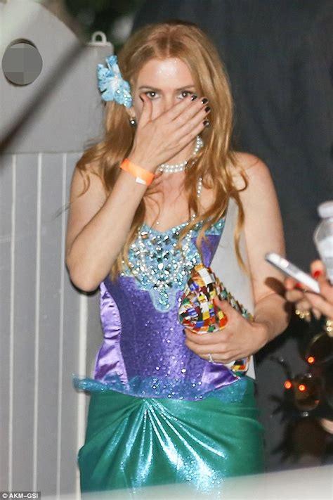 Borat Isla And Purple Dress isla fisher and husband sacha baron cohen attend kate