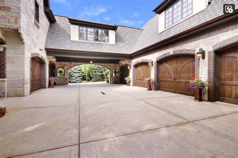 What Is A Motor Court Garage by Motor Court Accessible Through Porte Cochere And 6 Car