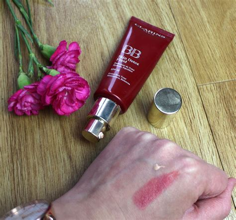 Clarins Bb Detox Fluid Review by A Review Of The Clarins Skin Detox Fluid Bb