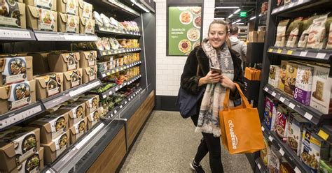 Do You Grocery Shop With Or Without A List by Go Grocery Store Could Actually Be Bad For Your Wallet