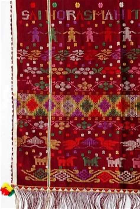Songket Asli Palembang Motif Sadum 6 tenun ikat songket on bali sarongs and textiles