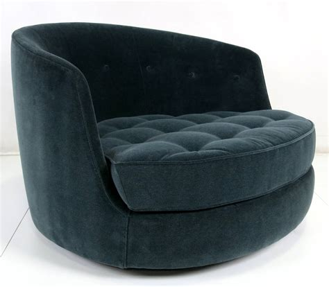 Pair Of Large Swivel Tub Chairs By Milo Baughman For Tub Swivel Chair