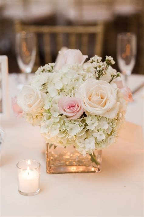 Flowers In Vases For Centerpieces by 25 Best Ideas About Flower Centerpieces On