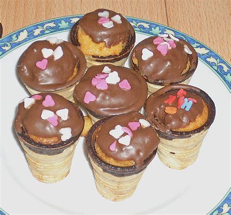 kleine kuchen im waffelbecher 97 225 foto nadine21176