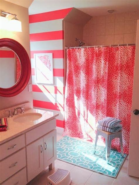 Girls Bathroom Game Best 25 Pink Striped Walls Ideas On Pinterest Paisley