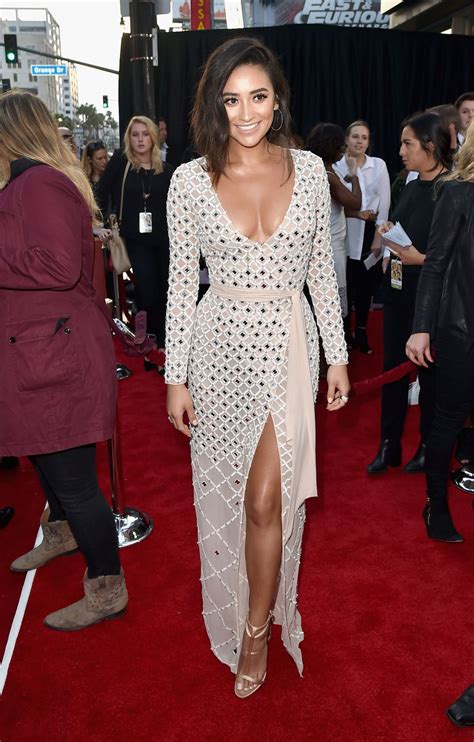 s day premieres shay mitchell at mother s day premiere in la celebzz