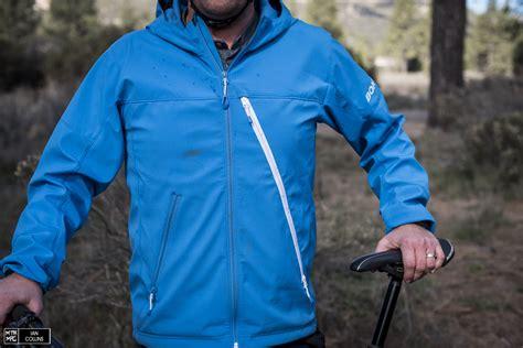 best mtb softshell jacket tested bontrager lithos softshell jacket mtb mag com