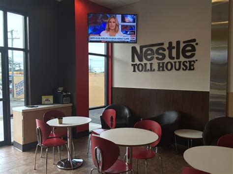toll house cafe lexington welcomes 1st nestl 233 toll house caf 233 by chip restaurant magazine