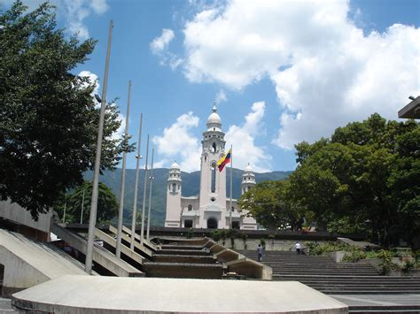 imagenes monumentos naturales de venezuela file panteon nacional venezuela jpg wikimedia commons