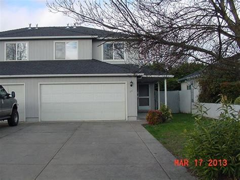 581 mountain view dr central point oregon 97502