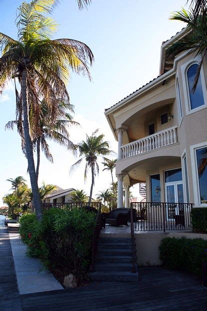 Florida House Detox Deerfield Fl by Luxury And Rehab Center Upsets The Neighbors