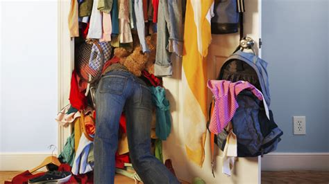 Tbf Fashion Newsletter Cleaning For Your Closet The Budget Fashionista by 8 Steps To Clean Out Your Closet And Reset Your Style
