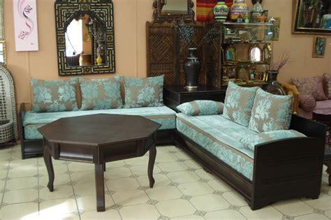 Formidable Les Photos Des Salons Marocains #2: decoration-marocaine-salon-bois-turquoise.jpg