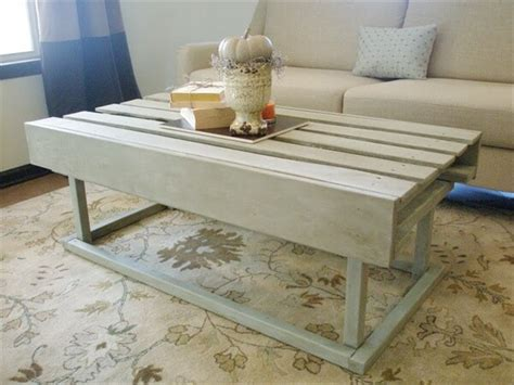 How To Make A Pallet Coffee Table Creative And Artistic Pallet Coffee Table Pallet Furniture Diy