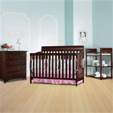 Graco Stanton Changing Table Graco Cribs 3 Nursery Set Stanton Convertible Crib Changing Table And 4 Drawer