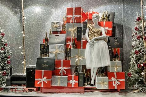 pin by mannequin madness on christmas window displays