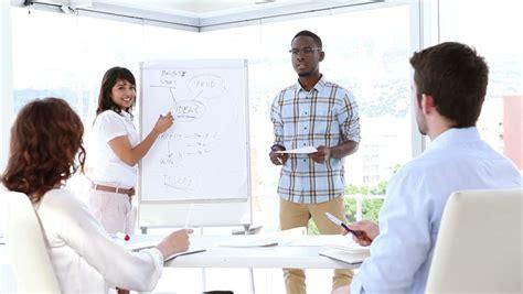 membuat presentasi bisnis menarik 7 tips untuk menjadikan presentasi bisnis menarik dan efektif