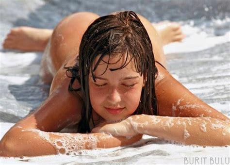 Anak Gadis Bogel Di Pantai Melayu Bogel Gambar Lucah