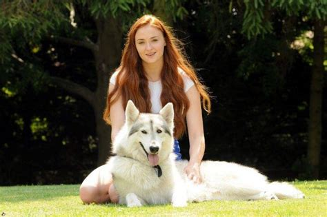 game of thrones woman actress sophie turner game of thrones actress sansa stark