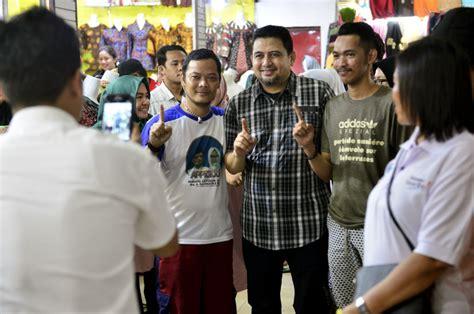 Topi Psm Makassar appi blusukan sambil berbelanja di pasar butung berita
