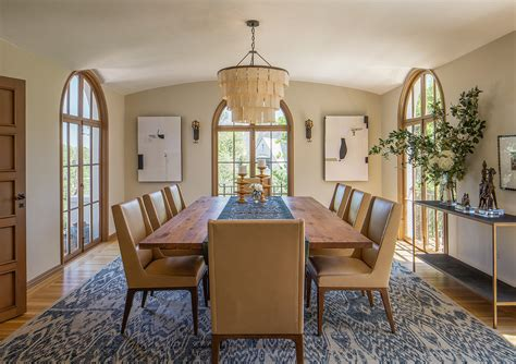 expert tips  choose  dining room chairs  table