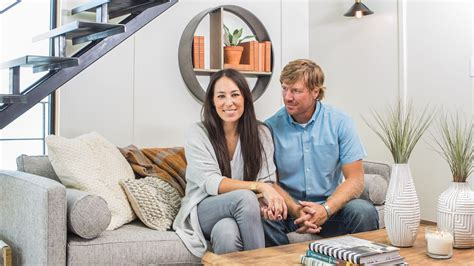 Chip and joanna gaines fix up a rundown houseboat today com