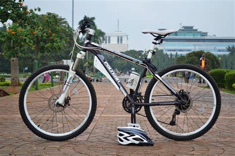 Sepeda Polygon Xtrada 3 0 Fullset sepeda gunung mtb polygon xtrada 2013 series aneka