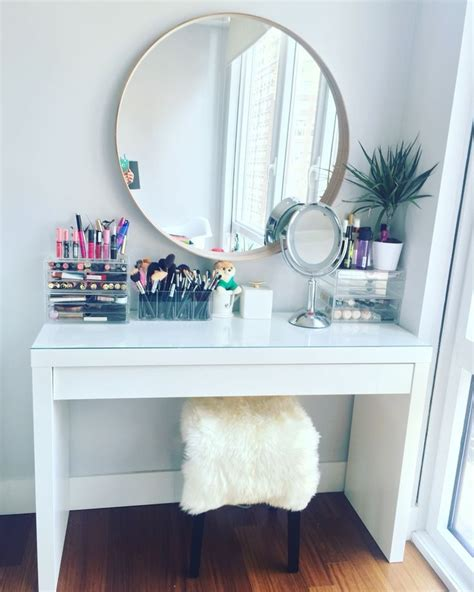 Makeup Table Ideas 25 Best Ideas About Makeup Desk On Dressing Table Organisation Vanity Area And