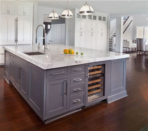 large square kitchen island best 25 large kitchen design ideas on