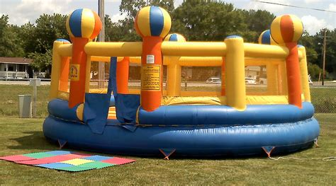 inflatable house giant circus bounce house rental iowa city cedar rapids ia