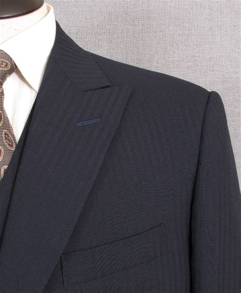Handmade Suits - signals of a handmade suit a shoulder that sings