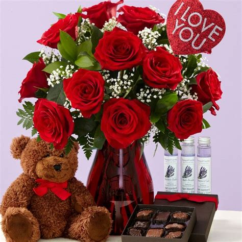 best valentines gifts cute romantic valentines day ideas for her 2017
