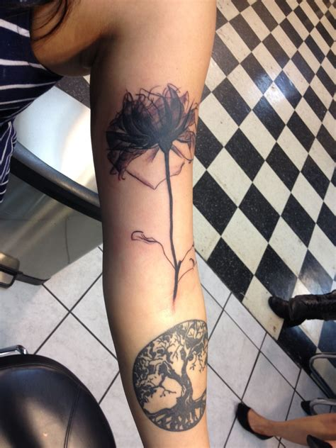 rose vein tattoo x image of a i like how the stem looks