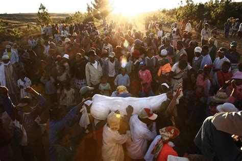8 Weirdest Burial Rituals by Rituals Proof That Humanity Is Totally