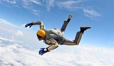 Backyard Mma Skydiver Falls To His Death In California Neighborhood