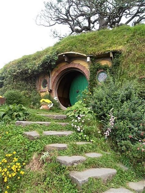 bilbo baggins house bag end bilbo baggins house hobbiton near matamata new zealand new zealand