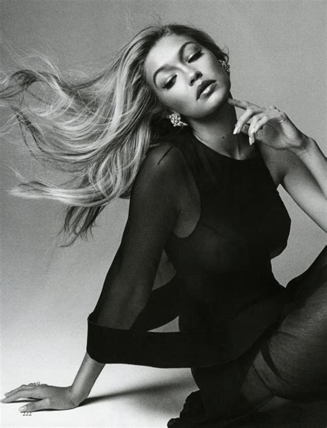 gigi hadid model vogue for lunch gigi strike a pose pinterest img