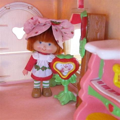 tv television for strawberry shortcake berry happy home