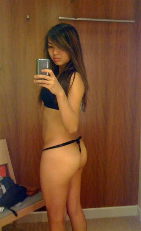 fitting room selfies something about fitting rooms makes want to selfie 51 photos asia selfies and