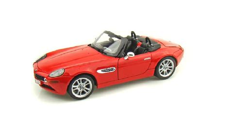 maisto bmw z8 maisto premier collection bmw z8 cabriolet roadster 1 18