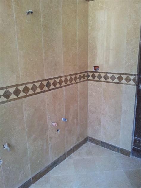 rivestimenti bagni in marmo foto bagno con rivestimento in marmo si travertino di
