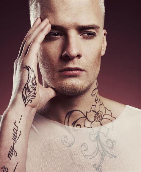 tattoo pain neck